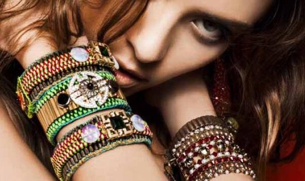 como evitar que bijuterias escureçam