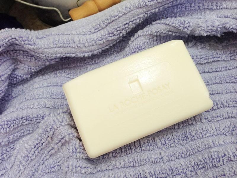 Effaclar-Sabonete--Dermatológico-Purificante--La-Roche-Posay-para-peles-oleosas